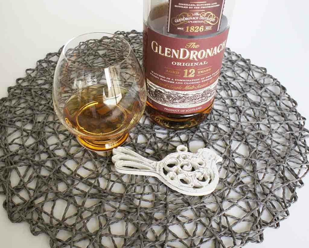 Glendronach-12-yo-with-glass
